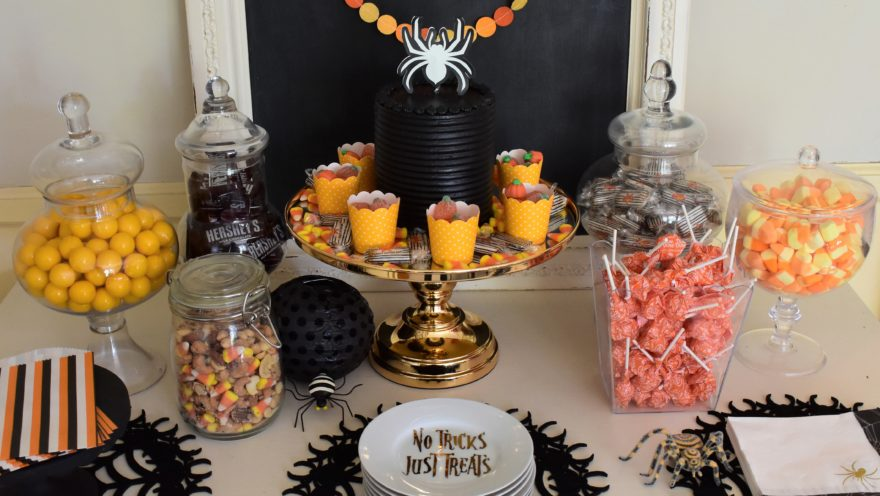 Halloween Candy Table Ideas.Easy Dessert Table Ideas For Serving Up Some Halloween Sugar